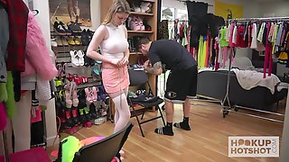 Lusty Chick Named Bunny Colby Flashes Her Naked Body As She Gets Ready