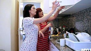 Spanish Mature Woman Montse Swinger Strapon Fucks Hungarian Chick Valentina Bianco