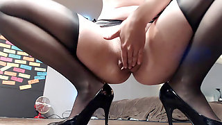 Tall Luxurious Gal Gives You Crazy JOI At Work: Part 1