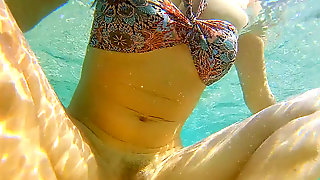 Wide Open Pussy Fuck, Underwater Sex