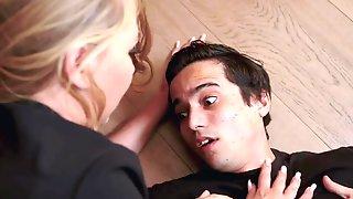 Young Milf Screams As She Gets Eaten - Jeanie Marie Sullivan