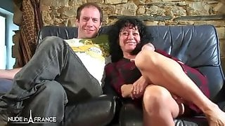 Horny Mature Housewife Ass Banged Threesome