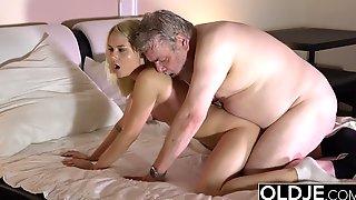 Petite Teen Blondie Has Hardcore Sex In Bed With Old Man