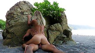 Eighteen Yr Older Dutch Nymph With A Brilliant Bootie Romps On A Public Beach