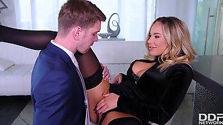 Olivia Austin Hot MILF Porn Video