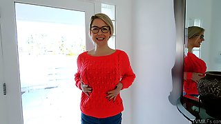 Nerdy Wife Loves A Bit Of Spice In Her Sexual Life