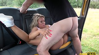 MILF Bianca Finnish Gets Her Shaved Cunt Covered In Cum After Cab Sex