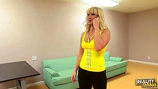 Lea Lexus Shows Her MILF Skills In Hardcore Sex Video