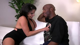 Black Dude Got Surprised With A Blowjob And Fuck By Alexis Silver
