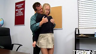 Amazing  Hottie Tracey Sweet Enjoys Hardcore Sex