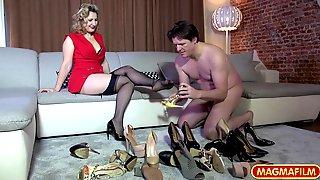 Olga Love - The Shoe Sniffer