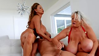Two Dazzling Matures With Huge Boobs Share One Big Fuckstick