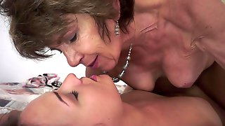 Granny Uses Her Tongue On A Hot Teen With A Large Fine Behind
