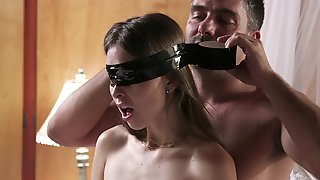 Interracial Threeway Brings Out The Best In Sultry Riley Reid