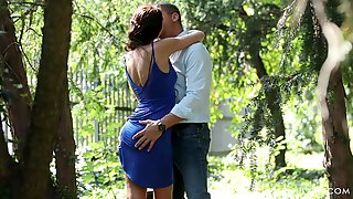 Detective Spies On Horny Babe Cheating On Her Hubby With Well Hung Dude
