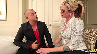 Beautifully Built Transsexual MILF Seduces A Guy Into Having Sex With Her