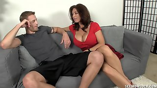 Mature Feels Keen To Suck Dick And Cream Her Jugs A Little