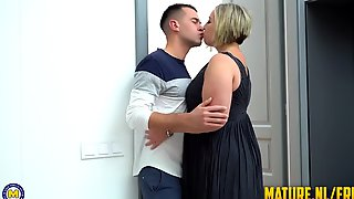 Tattoed Guy Destroyed Blonde Matures Pussy