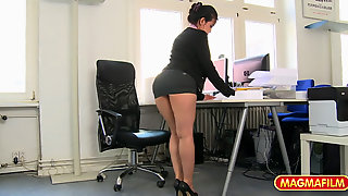 Sexy Secretary Licked And Fucked For A Raise