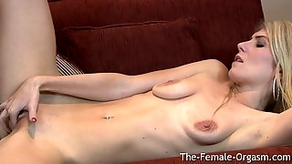 Hot MILF Ashleigh McKenzie Vibes Her Meaty Pussy To A Nice Pulsating Orgasm