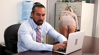 Insolent Secretary Pleases The Boss With Morning Sex