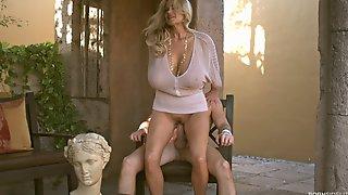 Huge Boobs Babe Kelly Madison Fucking Hardcore Outdoors