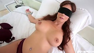 Kinky Syren De Mer Is The Type Of Woman Every Man Would Wish For His Stepmom