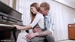Brown-haired Angel Stasia Si Is Enjoying Intensive Penetration