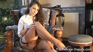Jewell Marceau Strips And Vibes Her Clit To A Pulsing Orgasm