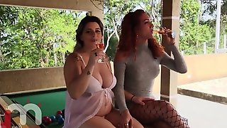 The Red-haired Shemale Fucking The Pregnant Blonde With Ease. - TransXdati