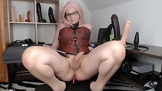 Blondie Gigantic TRANSSEXUAL Flashing Her Charms