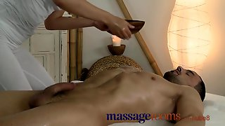 Massage Rooms Lascivious Youthful Masseuse Bangs Large Rod And Has Intensive Climax