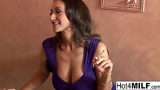 After Some Cigarettes, A Wicked Mother Id Like To Fuck, Persia Is Willing To Get A Excited Client's Giant Ramrod
