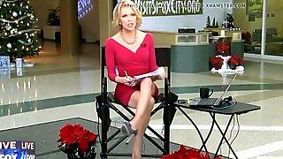 Megyn Kelly Showing Her Twat