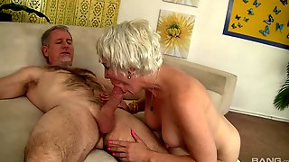 Mature Swallows Sperm After Quality Shag On Cam
