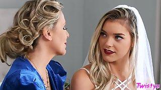 Reality Lesbian Sex - His Mother, Her Wedding - Julia Ann, Anny Aurora - Making Love To Future MILF