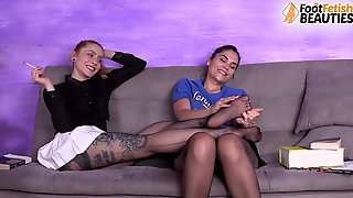Lesbian Pantyhose And Barefoot Feet Worship And French Kiss