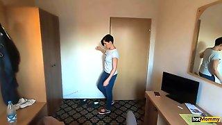 Stiefmutter Fick Mich Im Hotel Schone Muschi