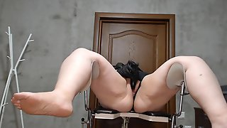 Corpulent Wife Masturbates With Vibrator And Squirts On Gyno Chair