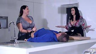 Pleasure-seeking Curvy MILFs Threesome Aphrodisiac Sex Video