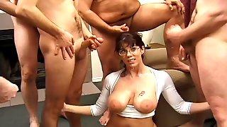 Voluptuous Amateur Sex Babe In Gangbang Bukkake - Babe
