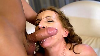 Divorced Lady Viol Gets Fucked Hard On The Bed By A Younger Dude