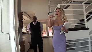 Anal With A Black Hunk For This Curvy MILF