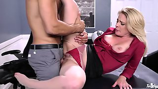 Handsome Man With A Giant Dick Fucks His Secretary Lisey Sweet