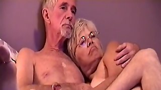 MILKING ME OFF ON THE SOFA THEN I PULVERIZE HER SHE DEEP-THROAT MY MAN-MEAT