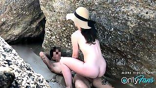 Risky Amateur Sex On A Nudist Greek Beach