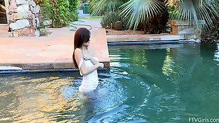 Stunning Amateur Swims In The Pool Bare Ass Naked