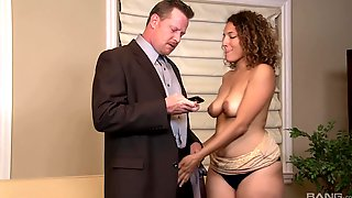 Amateur Fucking On The Sofa With Hairy Puss Mature Sofie Taylor