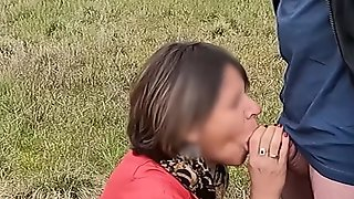 Gourmande Gives A Superb Outdoor Blowjob And Receives A Huge Facial