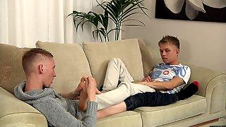 A Messy Foot Wanking Cum Shot! - Chris Jensen & Ashton Bradley